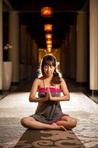 北九州市のヨガスタジオココカラ、新月の瞑想ヨガ、ヨガインストラクター水島知乃歩